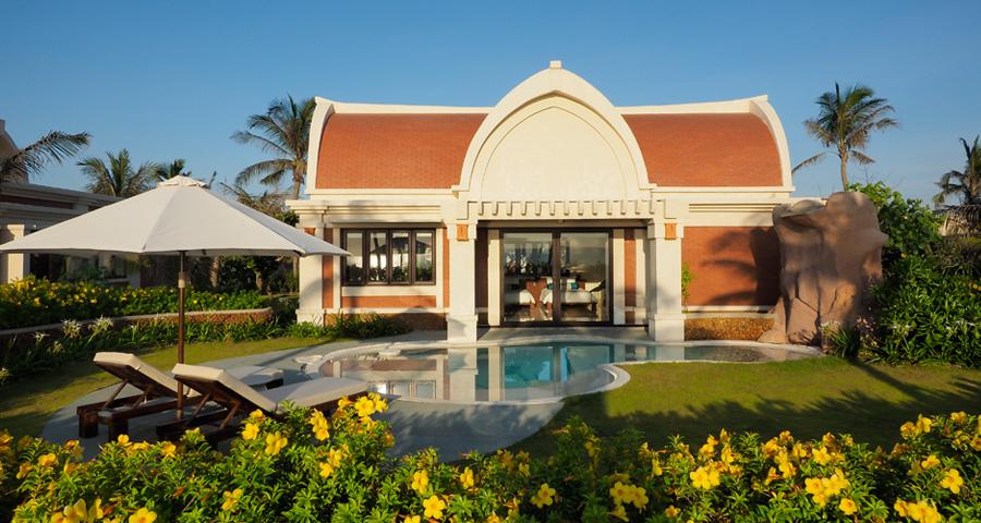 Seafront Pool Villa